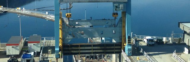 Lifting equipment for hydro-energy